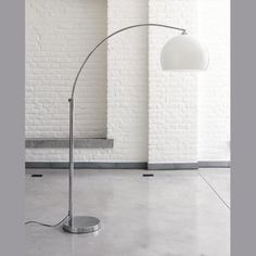 Lampadaire sph re chrome for Lampadaire salon