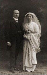 1900s wedding couple
