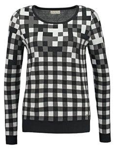 Najlepsze obrazy na tablicy sweater (41)   Czarne dżinsy