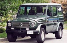 Vintage or New. The Mercedes G-Wagen. -I have such a crush! Mercedes G Wagen, Mercedes Benz, Benz G, G Wagon, Classic Trucks, Evergreen, Offroad, Luxury Cars, Cool Cars