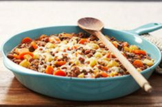 Beefy One-Pot Dinner Recipe - Kraft Canada Great Recipes, Dinner Recipes, Favorite Recipes, Yummy Recipes, Delicious Meals, One Pot Dinners, Ground Beef Recipes, Main Meals, Cooking Recipes