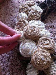how to make burlap flowers. put burlap flowers on the H letter Burlap Projects, Burlap Crafts, Fabric Crafts, Sewing Crafts, Craft Projects, Craft Ideas, Handmade Flowers, Diy Flowers, Fabric Flowers