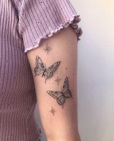 Tiny Tattoos For Girls, Cute Tiny Tattoos, Dainty Tattoos, Little Tattoos, Pretty Tattoos, Mini Tattoos, Body Art Tattoos, Small Tattoos, Tattoos For Women