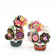Dia De Los Muerto Skull Couple Cake Toppers that double as salt and pepper shakers by sweetiecaketopper on artfire