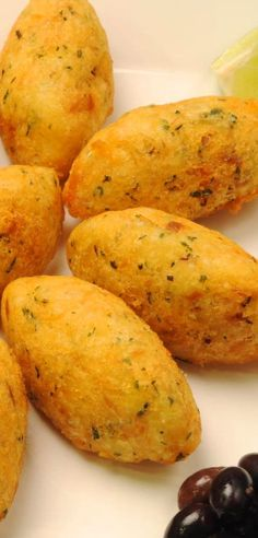 Pastéis de Bacalhau, typical and traditional Portuguese food that you are likely to find on a PORTUGUESE FOOD TOUR from Viator. Find out more at: http://www.shareasale.com/r.cfm?u=902724&b=132440&m=18208&afftrack=&urllink=www%2Eviator%2Ecom%2FPortugal%2Dtours%2FFood%2DWine%2Dand%2DNightlife%2Fd63%2Dg6 #Food Tours Portugal #Travel Portugal #Portuguese Food