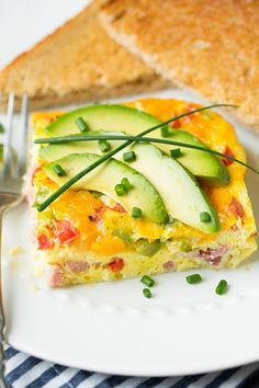 Is it an omelet or an omlette? Apparently it's both but I'm just going to go with omelet because it's shorter. I already have spelling probs then they've got to go and throw in two different versions for words, the madness! :) More importantly though is how delicious this Baked Denver Omelet is! I used to make