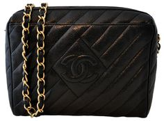 A classic Chanel bag makes my heart skip a beat. If ony I had an extra $3,500 lying around lol