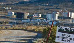 """Otra vez el fracking, en el centro de la polémica http://www.ambitosur.com.ar/otra-vez-el-fracking-en-el-centro-de-la-polemica/ El gobierno de Chubut ordenó a la firma Tecpetrol a frenar la perforación de dos pozos en El Tordillo hasta determinar si se tratan de """"no convencionales"""" y si requieren fracking.      Las dudas sobre la magnitud del proyecto se sumaron a las denuncias de una familia cuyo campo ha sido afectado"""