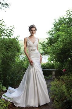 2012  Mermaid/Trumpet V Neck Sweep/Brush Train Train Garden Wedding Dress @Holly Hanshew Baniszewski