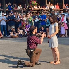 A guide to the mountain-tops, hot-springs and other perfect places to pop the question Out West. Rustic Inn, Jackson Hole Mountain Resort, Cozy Library, Balloon Company, Balloon Flights, Proposal Photos, Perfect Proposal, Wedding Proposals, The Millions