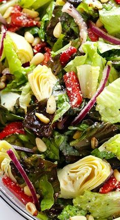 Another rockin' lunch or dinner salad for Bright Line Eating. Family Favorite Salad with Zesty Red Wine Vinaigrette Recipe ~ You will love this bright and colorful favorite family salad. This healthy goodness can be prepared in less than 10 minutes! Healthy Salad Recipes, Diet Recipes, Vegetarian Recipes, Cooking Recipes, Italian Salad Recipes, Dinner Salad Recipes, Simple Salad Recipes, Lettuce Salad Recipes, Vegetable Salad Recipes
