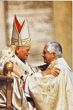 Pabst Paul II und Benedikt XVI
