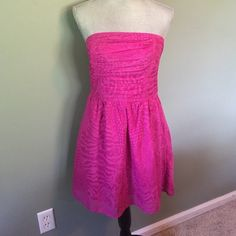 Adorable Express dress Adorable purple strapless dress. Perfect condition Express Dresses Strapless