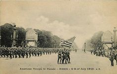 July 4th 1918 American Troops Parading in #Paris France Vintage Postcard | Moodys Collectibles Vintage Postcards Antique Victorian Topic Tradecards Foreign #WWI