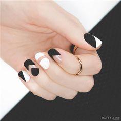 Simple Black and White Nail Art Desgins 6