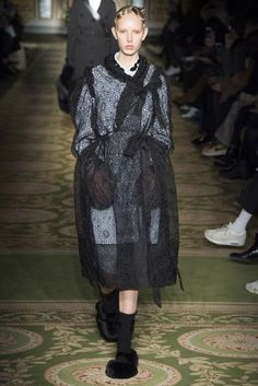 Simone Rocha Autumn/Winter 2017 Ready-to-wear Collection | British Vogue