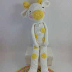 Aquí está Lory terminada!! A qué me ha salido mona.... A ella no le gustan sus manchas pero a mi me encantan 😍😍😍 #amigurumi #amigurumist #amiguis #crochet #crochetpatterns #amigurumitoy #amigurumipatterns #animals #animales #kids #baby #kidsdeco #babydecoration #kidsrooms #instacrocheting #amigurumiofinstagram #tejeresmisuperpoder #tejer #cute #happy #amarilla #yellow