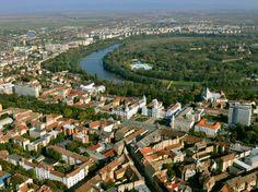 Látkép a Maros-kanyarral - Arad - Partium Natural Scenery, Natural Resources, Homeland, Romania, Paris Skyline, City Photo, Tourism, Dolores Park, Beautiful Places