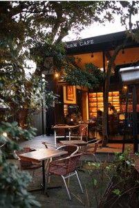 鎌倉に行ったら訪れたい、長谷寺、大仏。訪れた後はカフェでゆっくり休みたいですよね。今回は鎌倉長谷・大仏周辺のちょっと路地裏にある穴場カフェから海が一望できる絶景レストランまで厳選してご紹介!ぜひ行ってみて下さいね。