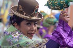 Acabo de compartir la foto de Ronald Alex Espinoza Marón que representa a: Cholita Diablada
