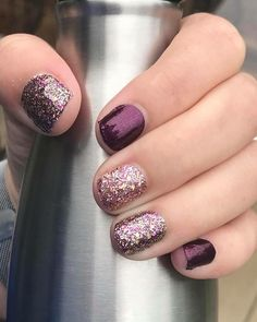 Tokyo lights glitter Color Street nails mixed with shimmery New York minute set! Get these stunning nail polish strips today in my boutique! Buy 3 sets and get 1 FREE Nail Art Designs, Short Nail Designs, Sparkle Nail Designs, Colorful Nail Designs, Design Ongles Courts, Gel Nagel Design, Nagellack Trends, Dipped Nails, Color Street Nails
