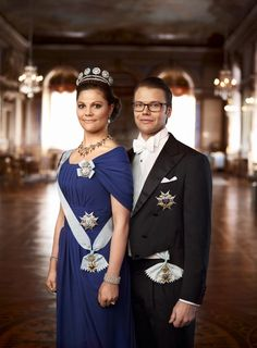 De Tiara met de Vier Knopen - kroonprinses Victoria met haar man.