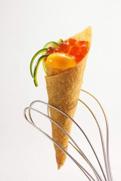 Cones with crispy mashed courgettes and salmon roe - By Heinz Beck