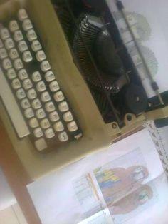 es un dibujo hecho con mi maquina de escribir ..... dos loros