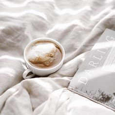 Are we the only ones who look forward to our cup of coffee awaiting us the next morning? 🙈 Darling is the perfect morning-routine companion. Head to our shop (link in bio) and pre-order our newest. Need Coffee, Coffee Is Life, Coffee Time, Morning Coffee, Coffee Shop, Coffee Dessert, Coffee Drinks, Coffee Cups, Chocolate Sweets