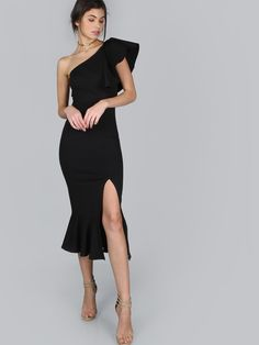 Shop One Shoulder Frill Peplum Hem Dress BLACK online. SheIn offers One Shoulder Frill Peplum Hem Dress BLACK & more to fit your fashionable needs. Satin Bodycon Dress, Satin Formal Dress, Frill Dress, Bodycon Dress Parties, Dress Up, Peplum Dresses, Sheath Dresses, Slit Dress, Party Dresses