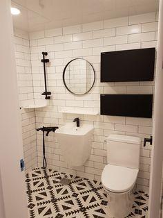 맘에드는타일과블랙악세사리들 구스토타일 Bathrooms, Vanity, Mirror, Furniture, Home Decor, Dressing Tables, Powder Room, Decoration Home, Bathroom