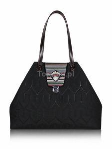 GOSHICO Pikowana torebka z haftowaną klapą DESTINY http://torebki.pl/goshico-pikowana-torebka-z-haftowana-klapa-destiny.html