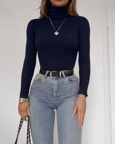 Idée de tenue - Outfit Ideas - Clothes - Lilly is Love Cute Casual Outfits, Retro Outfits, Simple Outfits, Stylish Outfits, Vintage Outfits, Winter Fashion Outfits, Look Fashion, Spring Outfits, Female Fashion