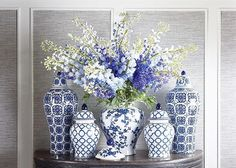 Ideas For Living Room Inspiration Blue Furniture Blue And White China, Blue China, Bleu Cobalt, Keramik Vase, Blue Pottery, Ideas Hogar, Blue Furniture, White Vases, Ginger Jars