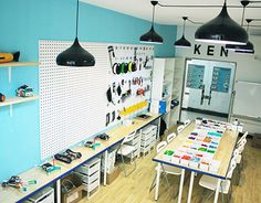 Maker Labs, Startup Office, Interior Architecture, Interior Design, Boys And Girls Club, Maker Space, Class Room, Work Spaces, Schools