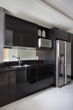 Cobertura Duplex Edificio Mandarim - Condomínio Peninsula : Cozinhas modernas por Cadore Arquitetura
