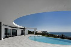 Colunata House in Lagos, on The Algarve coastline, Portugal was created by Portuguese architect Mario Martins. For lovers of striking modern architecture it is pretty irresistible.