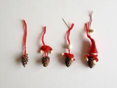 schaeresteipapier: Weihnachtsbastelei - Elfen mit Lärchenzapfen