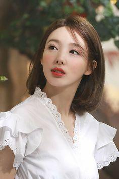 Kpop Girl Groups, Korean Girl Groups, Kpop Girls, Jihyo Twice, Nayeon Twice, Im Nayeon, Korean Celebrities, Korean Beauty, Girl Crushes
