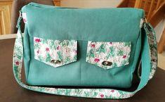 Besace Zip-Zip en suédine verte et coton végétal cousu par Sophie - Patron Sacôtin