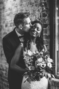 Bride and groom portraits. Classic bride and groom portrait with bouquet. Black and white photography, modern wedding location. Indoor Wedding Photos, Funny Wedding Photos, Bride And Groom Pictures, Groom Poses, Wedding Photography, White Photography, Wedding Photo Inspiration, Wedding Gallery, Wedding Shoot