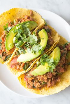 Who doesn't want easy vegan recipes that take under 15 minutes to make: vegan crab cakes, a mango black bean quinoa salad, and lentil chili tacos!