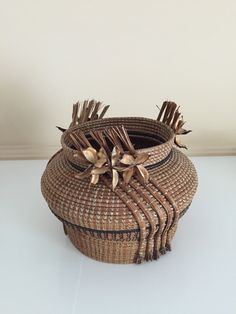 Pine Needle Art by Maurice Weaving Art, Hand Weaving, Pine Needle Crafts, Rope Rug, Pine Needle Baskets, Pine Needles, Gourd Art, Basket Weaving, Arts And Crafts