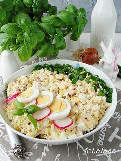 Sałatka z selera i jajek Kobieceinspiracje.pl Cobb Salad, Potato Salad, Potatoes, Lunch, Ethnic Recipes, Food, Potato, Eat Lunch, Essen