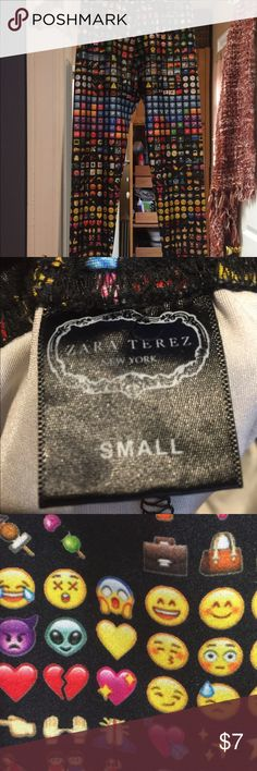 """Zara Terez Girl's """"Emoji"""" stretch pants Girl's """"emoji"""" stretch pants by Zara Terez (now just called Terez). Size small. Stretchy & shiny, these pants have just about every emoji out there on a black background. These pants be worn for athletics, with a tunic top or even under a sassy little mini dress! Too, too cute! 😊😘😍👍🏼 Zara Terez Bottoms Leggings"""