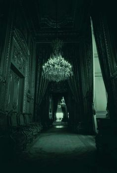 Slytherin April 27 2020 at Gothic House, Victorian Gothic, Dark Castle, Slytherin Aesthetic, Night Circus, Gothic Architecture, Haunted Mansion, Draco Malfoy, Belle Photo