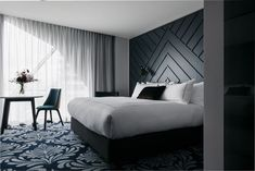 41 + Luxury Bedroom Design And Decorating Ideas - Home By X Luxury Bedroom Design, Modern Interior Design, Trendy Bedroom, Modern Bedroom, Modern Headboard, Headboard Ideas, Panel Headboard, Home Decor Bedroom, Bedroom Wall