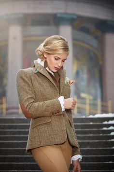 Susanne Spatt - Kollektion Tracht HW 17/18 Jacke Dalia Firschgrat Braun. Elegant, Couture, Outfits, Style, Fashion, Fall Winter, Dirndl, Oktoberfest, Get Tan