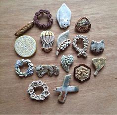 「どうしてエスキモー?」|yaplog!(ヤプログ!)byGMO Porcelain Jewelry, Porcelain Clay, Ceramic Jewelry, Ceramic Beads, Polymer Clay Jewelry, Organic Ceramics, Clay Studio, Brooches Handmade, Ceramic Pottery