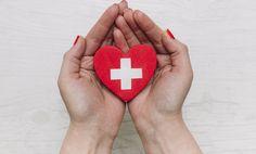Svrbiace dlane nemusia byť malichernosť: Kedy ide o život? Cord Blood Registry, Hands Holding Heart, Heart Institute, Cord Blood Banking, Stem Cells, Health Insurance, Insurance Quotes, Menopause, Hot Doctor